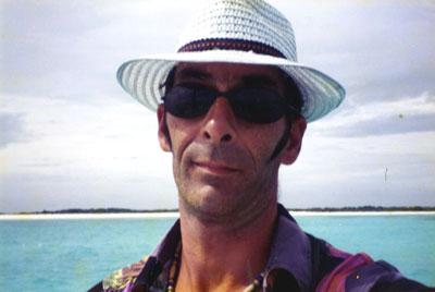 Votre serviteur sous le soleil ( très ) exactement et sur un îlot du littoral vénézuélien.