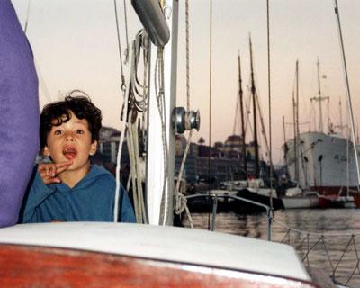 Kevin, mon fils aide-sauveteur, dans le port de Alcantara à Lisbonne.